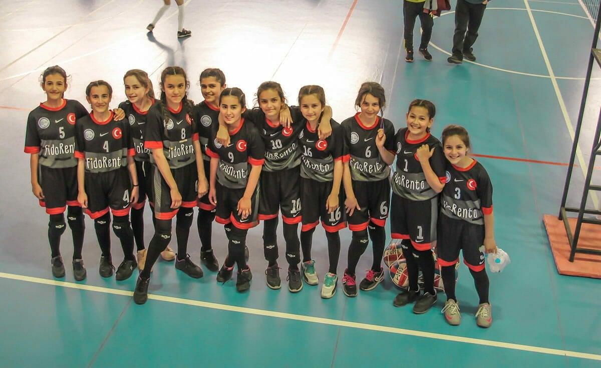 FidoRento'da Kaş Okullar Arası Kız Voleybol Turnuvası Heyecanı #5434