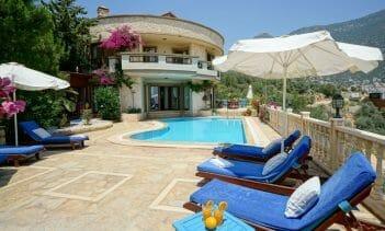 Villa Round House