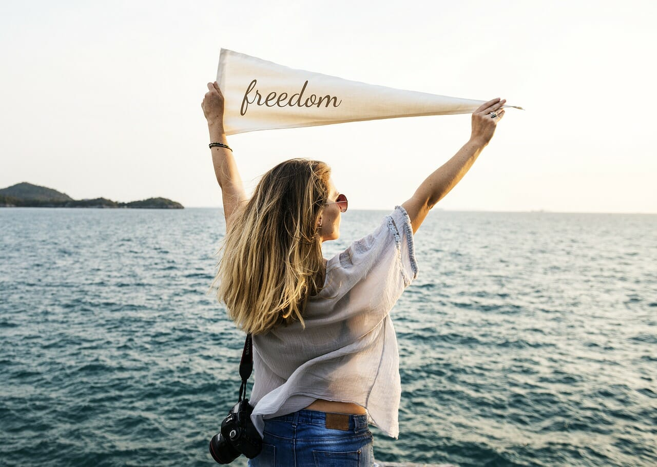 özgürce